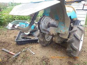 耕うん機の修理